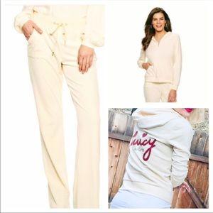 BNWT!  Juicy Couture 2pc. Suit de Velour! Size L